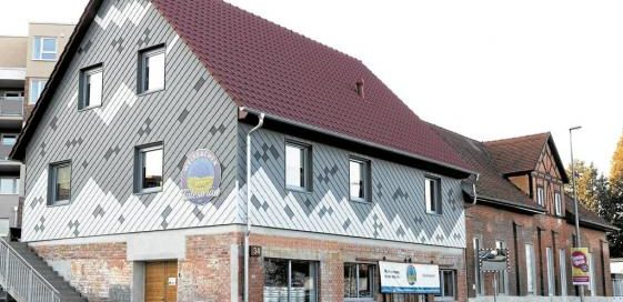 Schmuckkästchen an der Welzheimer Straße: Die hellen Kacheln symbolisieren Bierschaum.